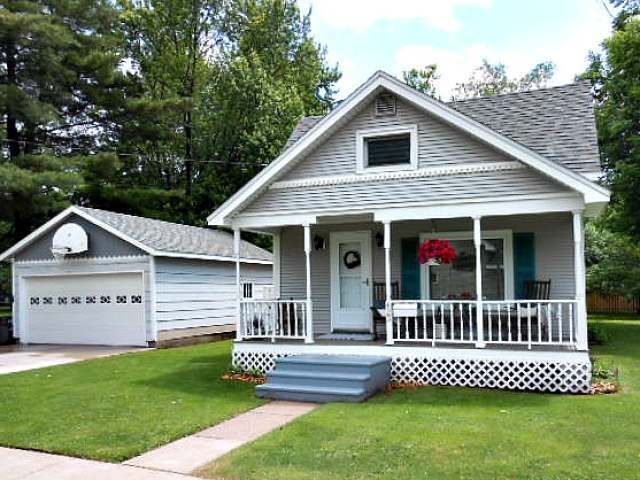 823 Graham Ave, Antigo, WI 54409