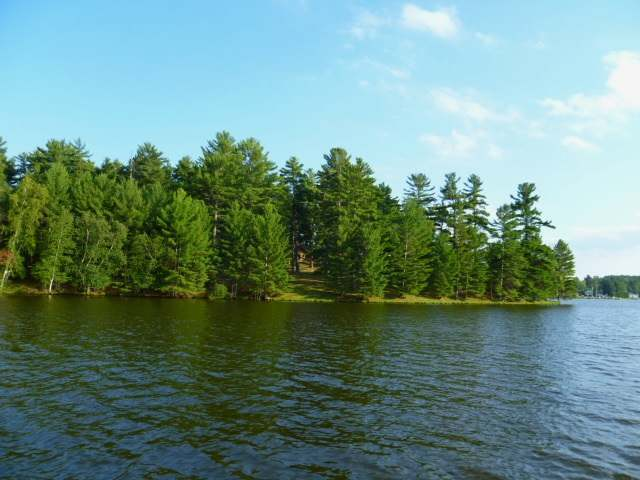 4429 Mitchell Point Rd, Eagle River, WI 54521