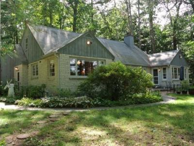 Photo of 9582 Country Club Rd, Minocqua, WI 54548