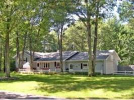 1415 Cherry Dr, Eagle River, WI 54521