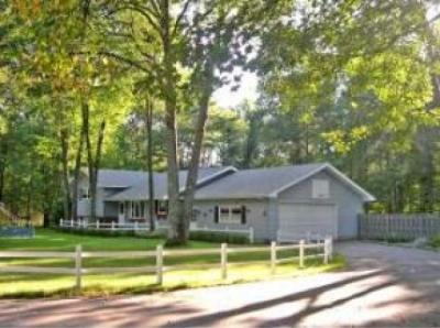 Photo of 1415 Cherry Dr, Eagle River, WI 54521