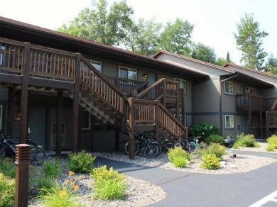 4443-203 Chain O Lakes Rd #203, Eagle River, WI 54521