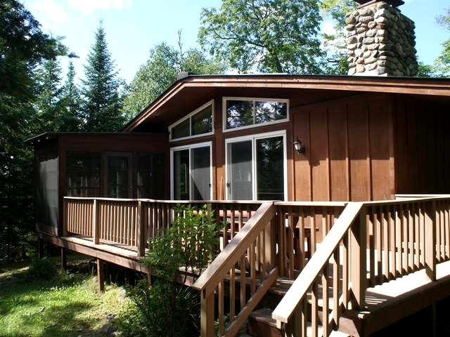 8851 Johnson Point Ln, Land O Lakes, WI 54540