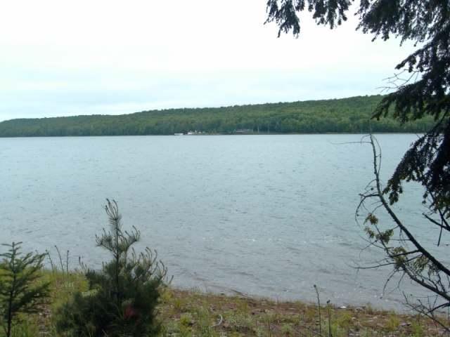 ON Smoky Lake Rd, Stambaugh Township, MI 415