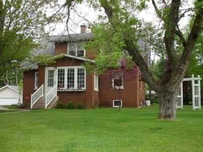 Photo of 707 Maple St, Eagle River, WI 54521