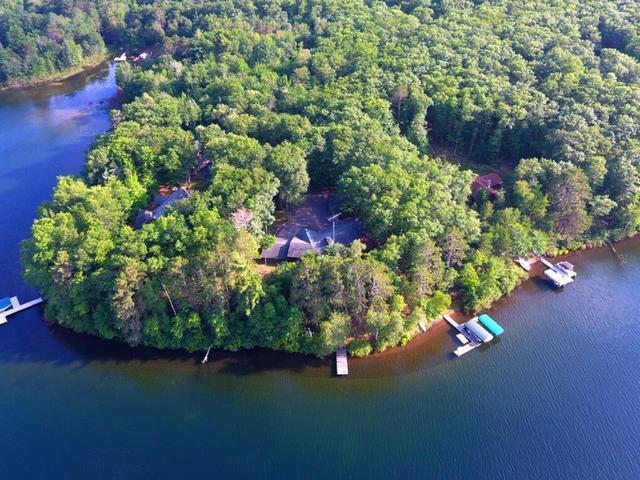 5294 Maple Leaf Rd, Land O Lakes, WI 54540