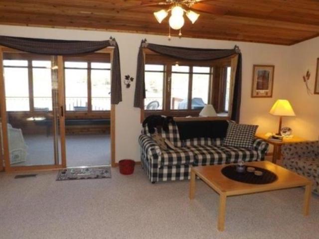 8142 Ridge Rd, Presque Isle, WI 54557