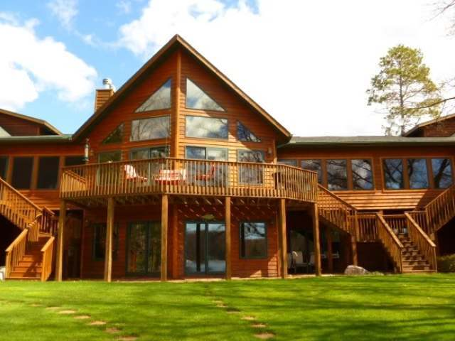 1466 Golf View Dr, Eagle River, WI 54521
