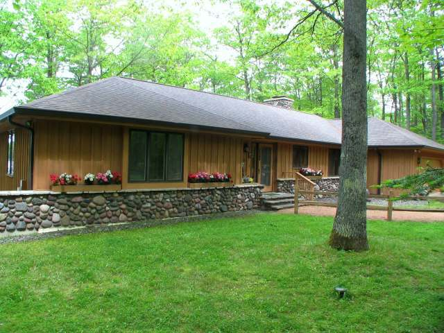 5882 Black Oak Lake Rd S, Land O Lakes, WI 54540