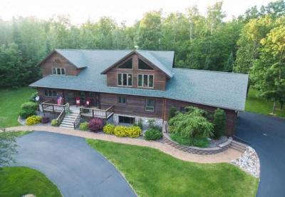 Photo of 13662 Papoose Lake Rd, Winchester, WI 54557