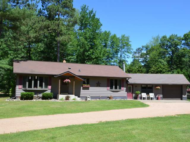 W5752 Daoust Rd, Tomahawk, WI 54487