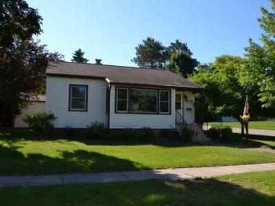 Photo of 702 Messer St, Rhinelander, WI 54501