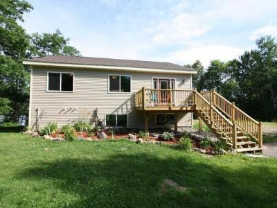 Photo of 6566 Round Lake Rd, Rhinelander, WI 54501