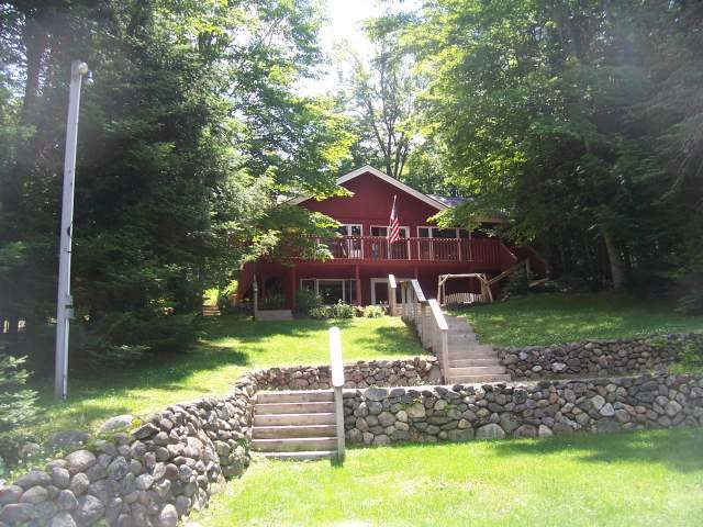 6061-65 Forest Lake Rd E, Land O Lakes, WI 54540