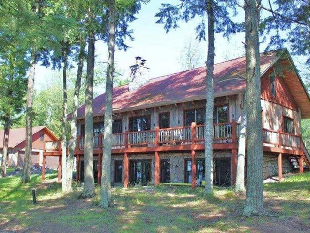 7795 Point Rd, Presque Isle, WI 54557