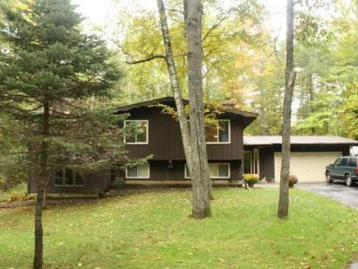 Photo of 992 Catfish Lake Rd, Eagle River, WI 54521