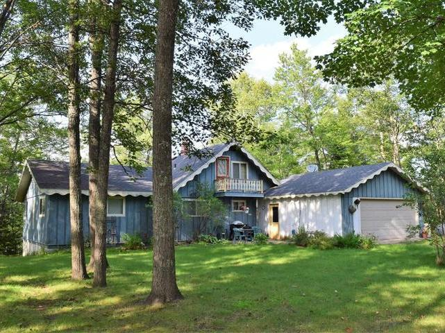 4610 Tanglewood Dr, Eagle River, WI 54521
