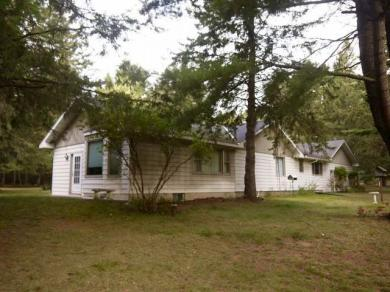 1198 Drager Rd, Eagle River, WI 54521