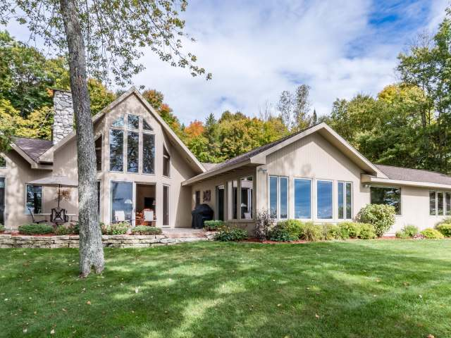 2675 Larch Ln, Lac Du Flambeau, WI 54538