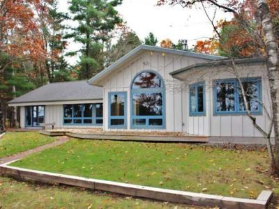 Photo of 9508 Country Club Rd, Minocqua, WI 54548
