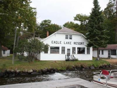 Photo of 1800 Eagle Park Ln, Eagle River, WI 54521