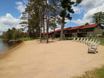 Photo of 4443 Chain O Lakes Rd #127, Eagle River, WI 54521