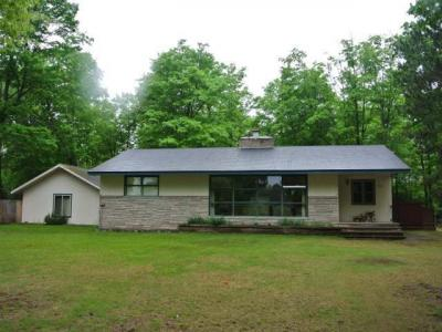 Photo of 998 Golf Course Loop, Three Lakes, WI 54562