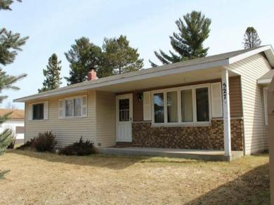 527 Wisconsin St, Eagle River, WI 54521