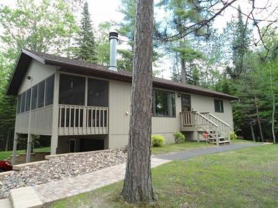 Photo of 4032 North Shore Dr, Rhinelander, WI 54501