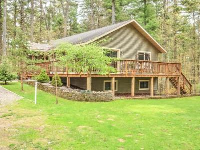 Photo of 1160 Everett Rd, Eagle River, WI 54521