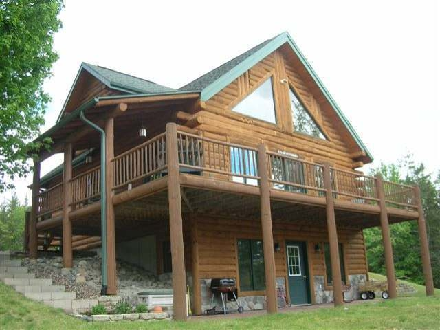 5155 Pine Creek Rd, Rhinelander, WI 54501