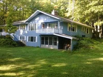 Photo of 8038 Nordic Dr, Presque Isle, WI 54557