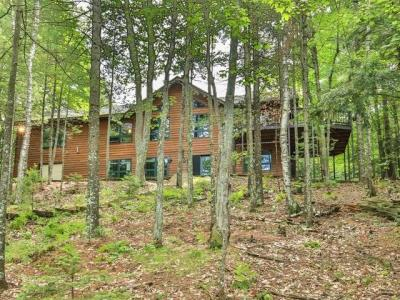Photo of 8850 Finch Rd, Lake Tomahawk, WI 54539