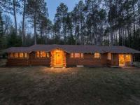 616 Bloom Rd, Eagle River, WI 54521