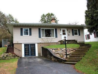 Photo of 740 Evergreen Ct, Rhinelander, WI 54501