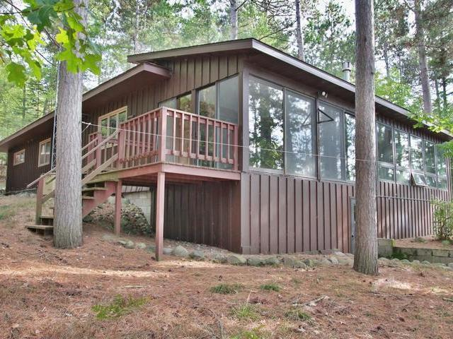 1121 Wooded Ln, Eagle River, WI 54521