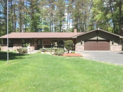 Photo of 185 Woodland Ln, Woodruff, WI 54568