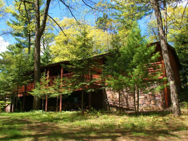 1489 Fawn Lake Rd, St Germain, WI 54558