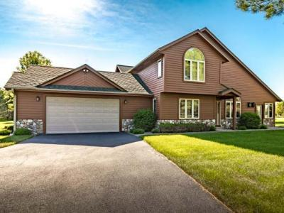 Photo of 10025 Ridgewood Dr, Minocqua, WI 54548