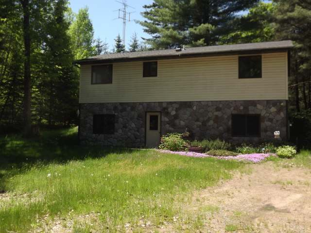7859 Rainbow Rd, Lake Tomahawk, WI 54539