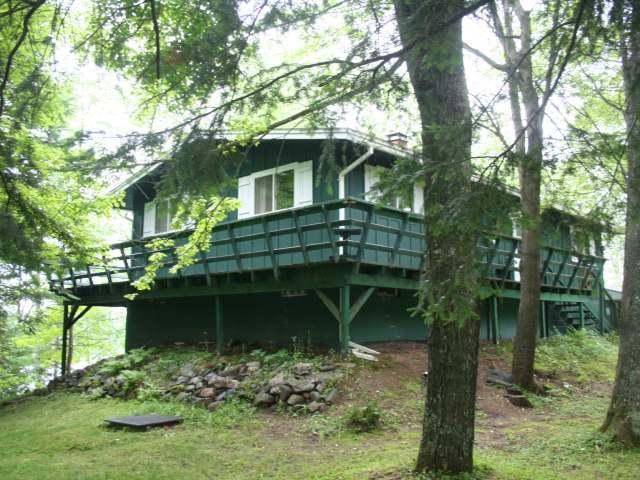9937 Woodland Dr, Presque Isle, WI 54557