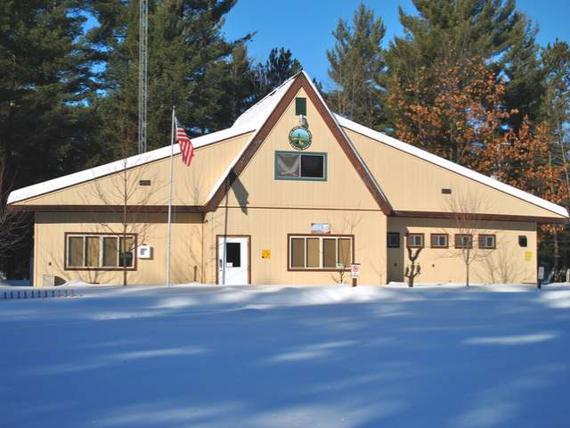 3165 Campground Rd, Eagle River, WI 54521
