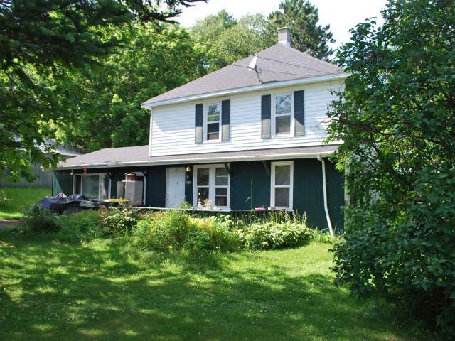 4816 First St, Laona, WI 54541