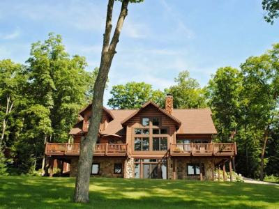 Photo of 4989 Shore Dr W, Crandon, WI 54520