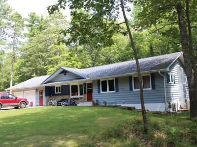 Photo of 303 Ninth St, Eagle River, WI 54521