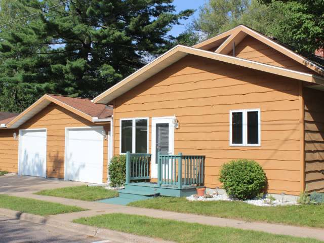 516 Menominee St, Minocqua, WI 54548