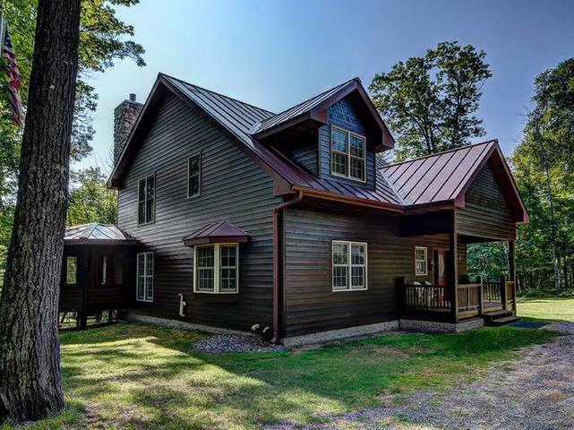 1290 Cranberry Lake Rd E, Eagle River, WI 54521