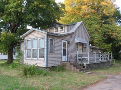 Photo of 6942 School St, Three Lakes, WI 54562