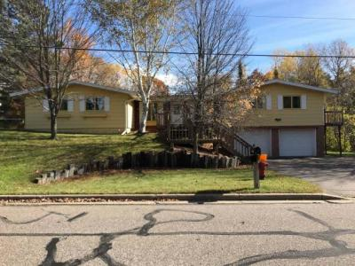 Photo of 856 Woodland Dr, Rhinelander, WI 54501