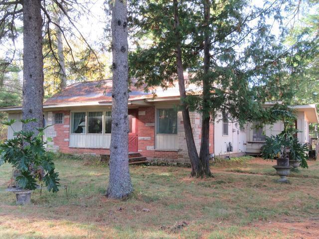 907 Loon Lake Rd, Eagle River, WI 54521